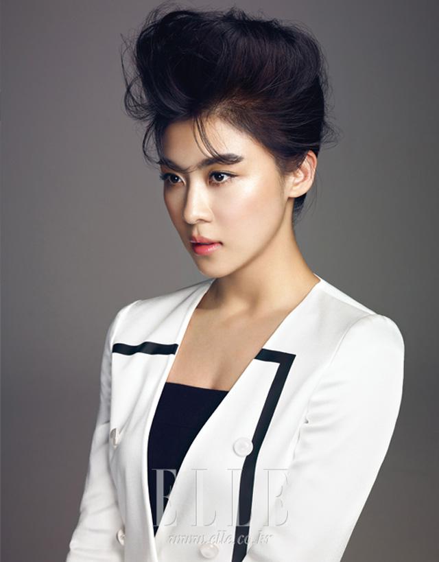 Yoo jiwon and han na to her 4