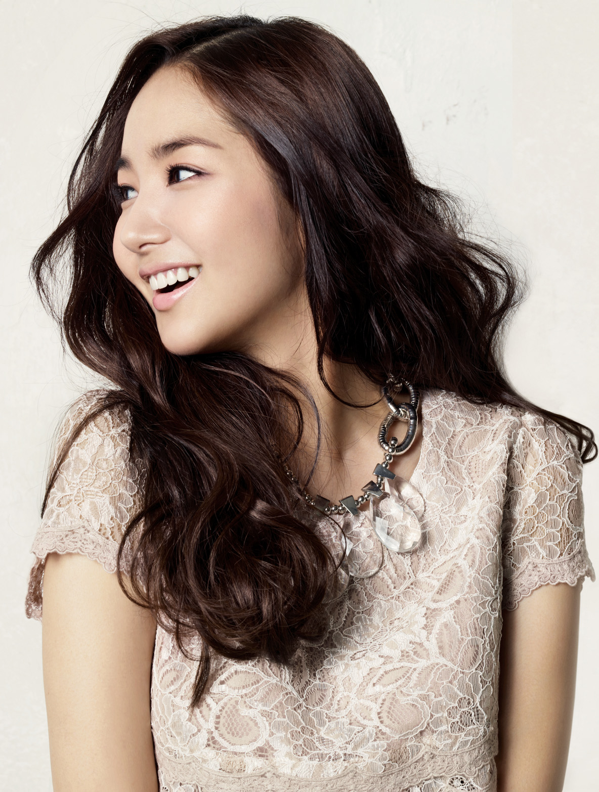 Park Min Young Compagna Spring 2011 Asia 24 7