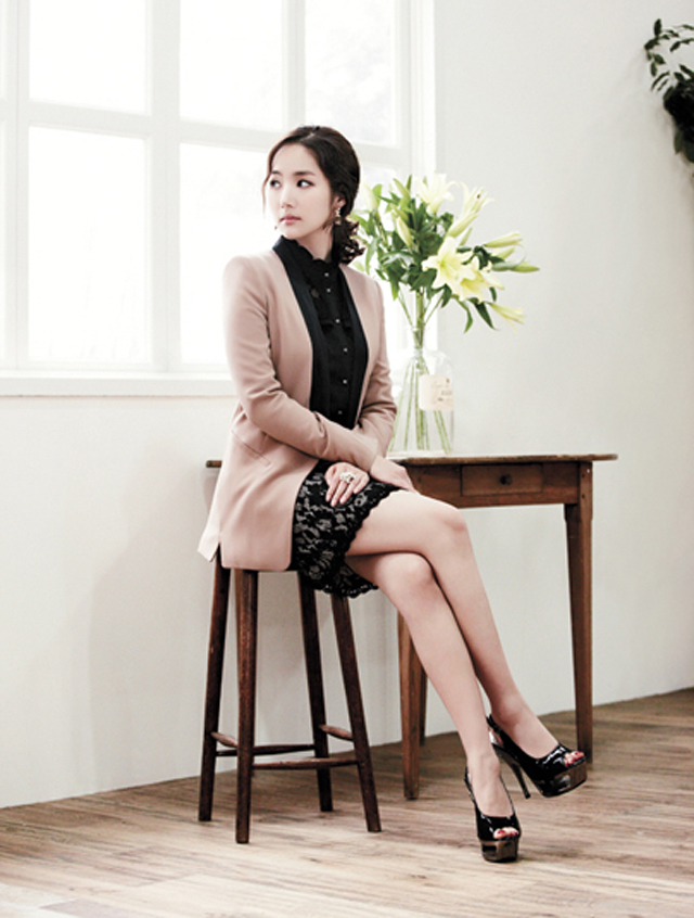 Park Min Young Compagna Spring 2012 Asia 24 7