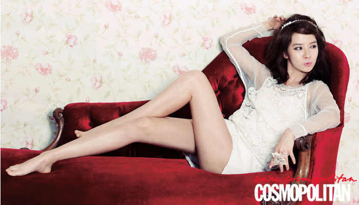 Song Ji Hyo (Running Man) models and shows her sexy side for